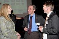 Hans Georg Weishaar (iMPALA) im Gespräch (rechts)